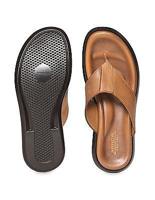 Arrow Leather V-Strap Sandals