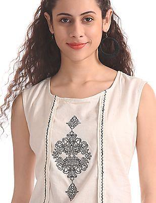 Karigari White Panelled Embroidered Kurta
