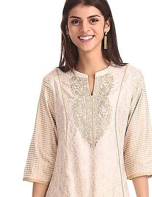 Anahi White Foil Print Kalidar Kurta