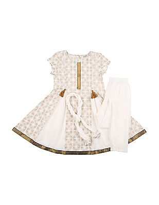 Karigari Girls Churidar Kurta And Dupatta Set