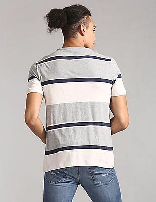 GAP Men Grey Vintage Everyday Crew Neck T-Shirt