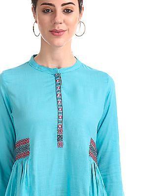 Anahi Mandarin Collar Embroidered Trim Kurta
