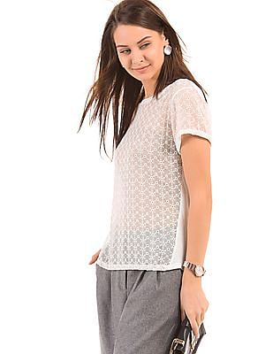 Arrow Woman Round Neck Schiffli Top