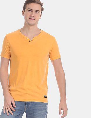 Flying Machine Men Yellow Solid Henley T-Shirt