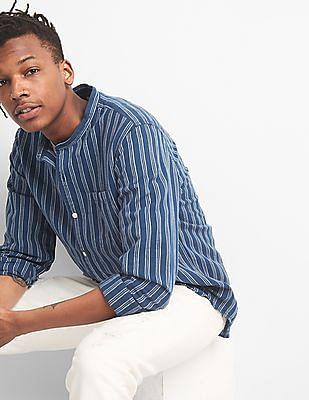 GAP Standard Fit Band Collar Shirt In Linen Cotton